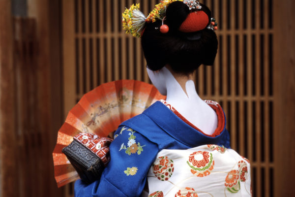 Traditional maiko in Kyoto (photo credit Colin Sinclair)