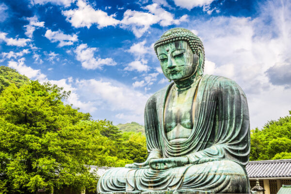 reat Buddha Daibutsu in the grounds of Kotokuin Temple in Kamakura