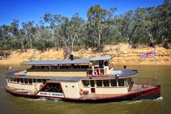 Take a lunch cruise on the Pride of the Murray